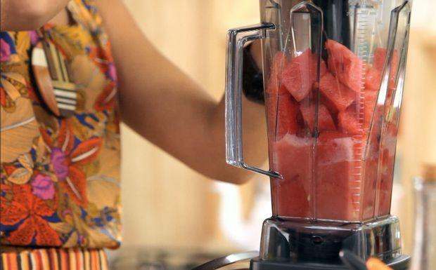 Suco de melancia com gengibre