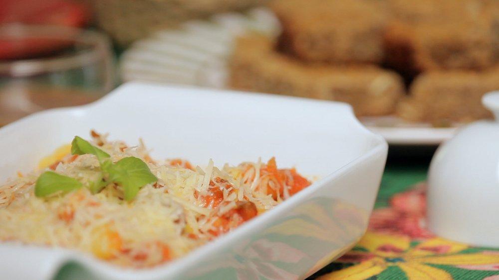 Nhoque de batata-baroa com molho de tomate
