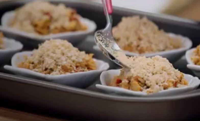 Casquinha de siri com farofa de quinoa