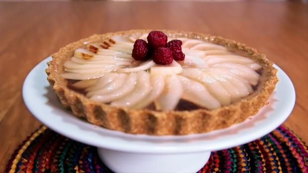 Torta de pera com massa de aveia