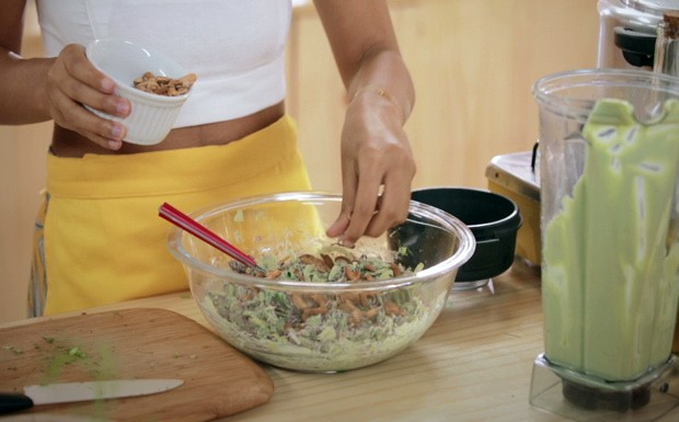 Salada de funcho com maionese de coentro