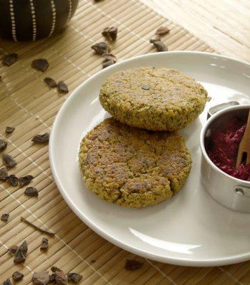 Hambúrguer de quinoa com molho de wasabi
