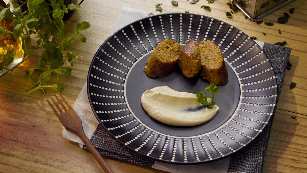 Salsicha de Tofu com Maionese de Castanha de Caju